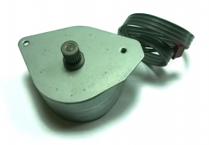 Шаговый двигатель биполярный (б/у)