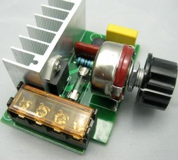 Регулятор мощности (диммер) 220В/4000Вт в корп.