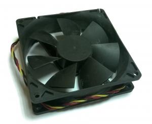 Вентилятор б/у 80х80х25